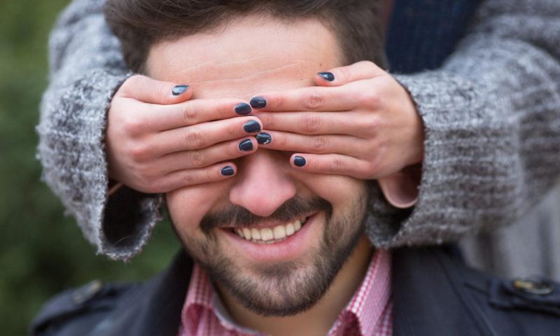 Blind Date 3.0: Handy statt Mann | taff - YouTube